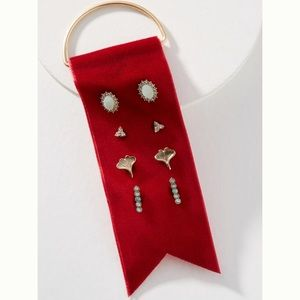 Delicate earring set